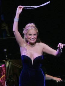 Kristin Chenoweth sings 'Glitter and Be Gay' from Leonard Bernstein's Candide at her Metropolitan Opera concert debut.